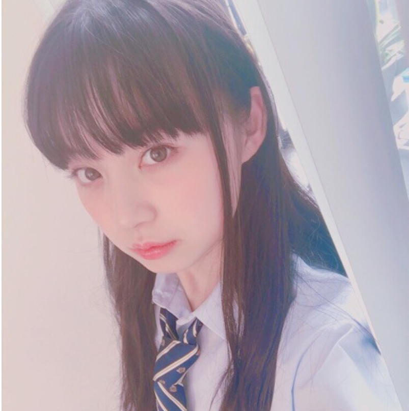 黒坂莉那ちゃんが中学2年生だ。