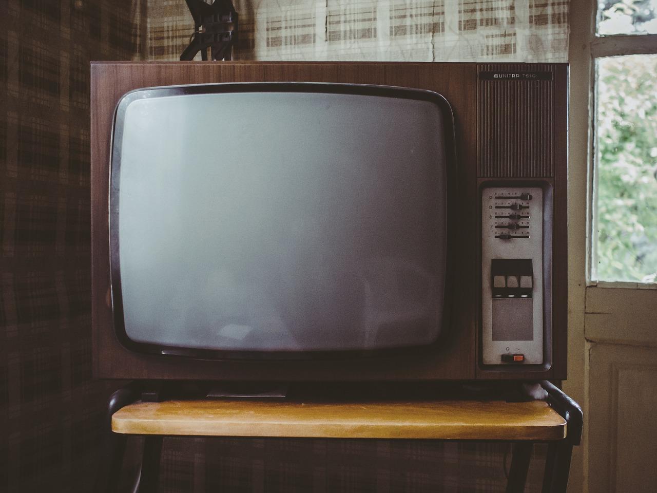 テレビを見たくて仕方なかった頃