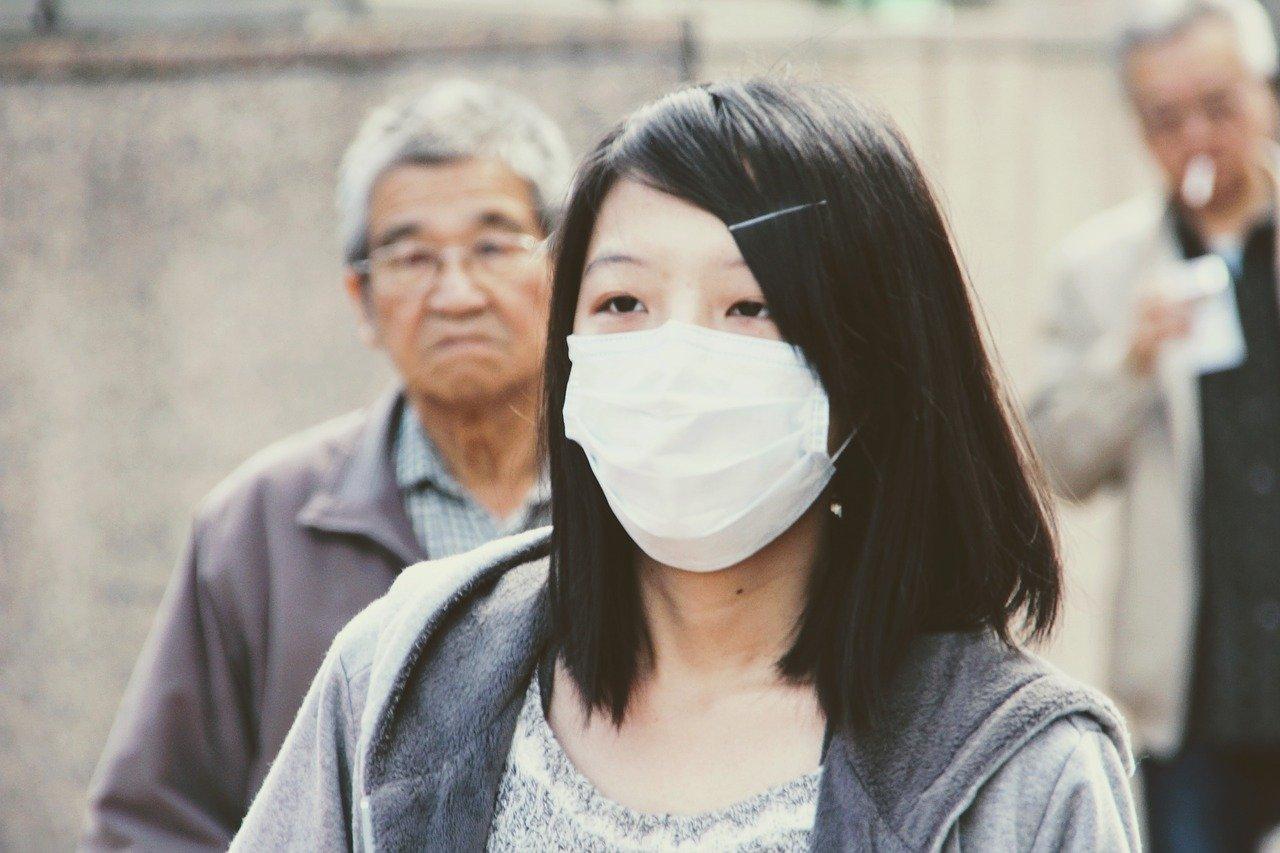 マスクをしないでショッピングモールに行った。